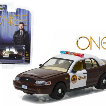 "Sheriff Graham's 2005 Ford Crown Victoria Police Interceptor ""Storybrooke"" Once Upon a Time (2011-Current) TV Series  1-64 Diecast Model Car  by Greenlight"