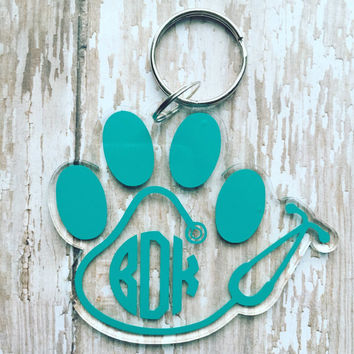 Vet tech stethoscope keychain/ veterinarian keychain/stethoscope/custom keychain/paw print keychain/veterinary/medical field/vet/ vet tech