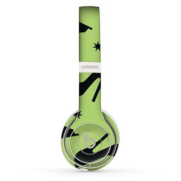 The Green & Black High-Heel Pattern V12 Skin Set for the Beats by Dre Solo 2 Wireless Headphones