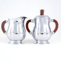 Vintage Chrome Sugar and Creamer Set with Bakelite Handles from the 1940s