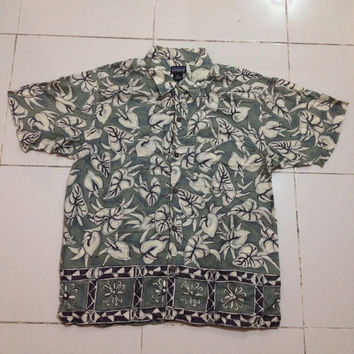 patagonia hawaiian flora design / beach style shirt / pataloha organic cotton MEDIUM size button down / single pocket