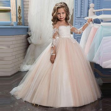 White Appliques Long Sleeves Scoop Neck New Arrival Lovely Flower Girl Dresses 2017 Floor Length Ball Gown Kids Wedding Party