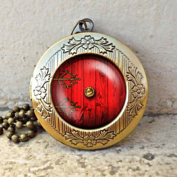 lord of the rings red hobbit door hole cozy bilbo baggins lotro vintage pendant locket necklace - ready for gifting