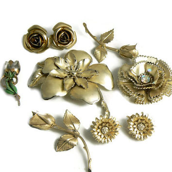 Vintage Gold Flowers Pins and Earrings Lot