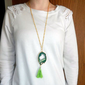 Green Druzy Agate Necklace, Lime Green Tassel Necklace, 24 kg Pendant, Gemstone Necklace, Womens Jewelry, Long Necklace, 28 Inch Necklace