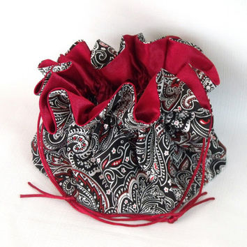 Jewelry Drawstring Travel Tote, Pouce Paisley in Black and Red Extra Large
