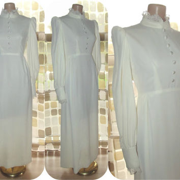 Vintage 70s Winter WHITE Velvet Maxi Dress Wedding Gown Renaissance BOHO Steampunk Medium