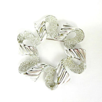 Vintage Sarah Coventry Brooch, Silver Tone RIBBONETTE Pin, 1970s Pin