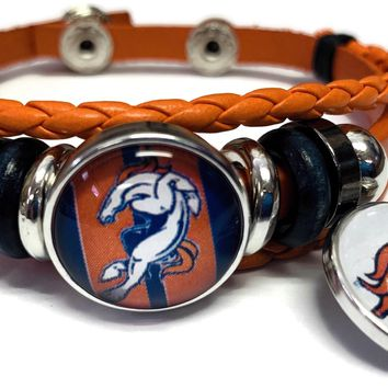 NFL Denver Broncos Orange Leather Bracelet W/2 Football Stripe Logo Snap Jewelry Charms New Item