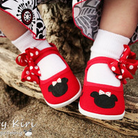 Minnie Mouse shoes Hand painted red minnie mouse by Snanimals