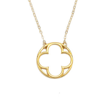 Clover Circle Pendant Necklace