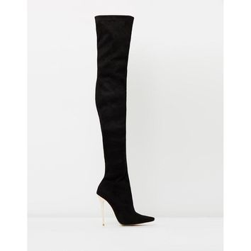Izoa Blushing Bee Boot Black with Rose Gold