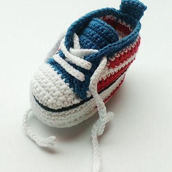 Crochet baby sneakers, Crochet sneakers, Converse shoes, Crochet shoes, Baby booties,