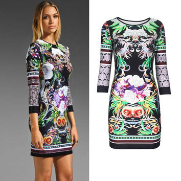 Green Floral Print Round Neck 3/4 Sleeve Bodycon Mini Dress