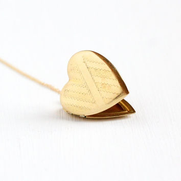 Sale - Vintage Gold Filled Large Heart Locket Necklace - Art Deco 1930s Sweetheart Pendant Romantic Valentine Embossed Jewelry on GF Chain