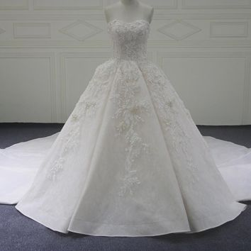 Scoop Ball Gown Wedding Dresses 3d Flower Lace With Crystal Wedding Dress Royal Train Wedding Gown