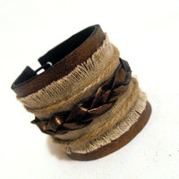 Rustic leather bracelet with plait and hemp Leather by julishland