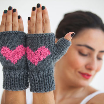 Hallowen Fingerless Gloves with Heart - Mittens - Valentines Day by Afra