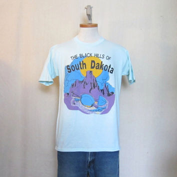 Vintage 80s BLACK HILLS GRAPHIC South Dakota Gold Rush Unisex Medium Soft Thin 50/50 T-Shirt