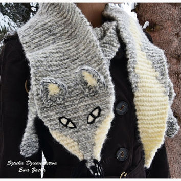 Hand Knit Snow Fox Scarf  White & Grey , renard echarpe