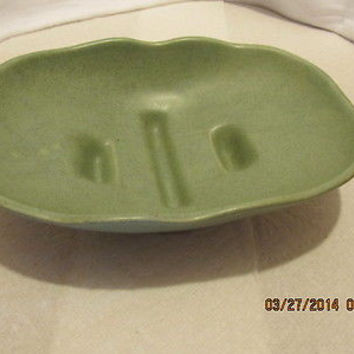 VINTAGE McCOY GREEN DISH NUMBER 1302 MADE IN THE USA
