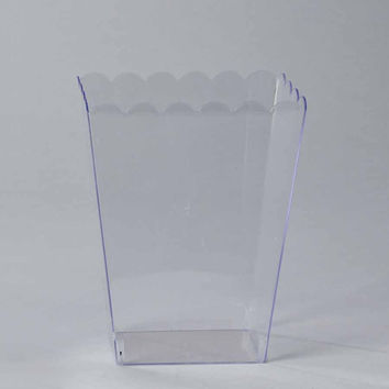 Plastic Large Scalloped Container, 7-3/4-Inch, Clear