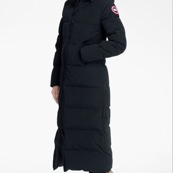 Women's Canada Goose 'mystique' Regular Fit Down Parka With Genuine Coyote Fur Trim