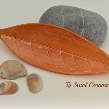Leaf incense burner/incense holder in orange