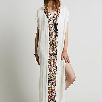 Bohemian white dress Women Vintage Ethnic Flower Embroidered Cotton Tunic Casual Long Dress Hippie Boho People Asymmetric