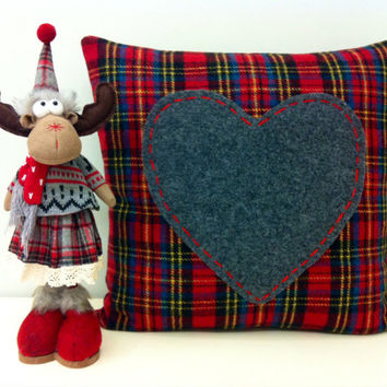 Valentines Day Plaid Red Wool Heart Pillow, Red Pillows, Plaid Pillows, Wool Throw Pillow, Decorative Throw Pillow, Red Wool Cushion Covers