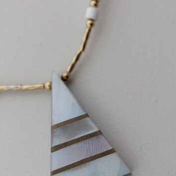 SALE Vintage 80s Necklace / 1980s Geometric Mother of Pearl Triangle Necklace