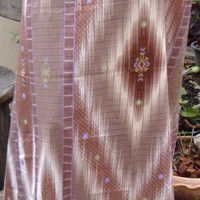 man's sarong brown diamond with purple edging MA12