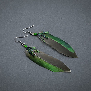 Boho feather earrings, native american earring, natural feather earring, boho earring, boho chic, hippie earrings, Green tribal earrings