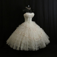 Vintage 1950's 50s STRAPLESS Bombshell White Embroidered Lace Tulle Circle Skirt Party Prom Wedding DRESS Gown