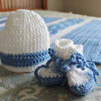 Knit and crochet items created one stitch at a time by SnuggableStitches