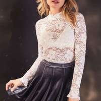 Kimchi Blue Casa Bella Lace Mock-Neck Top - Urban Outfitters