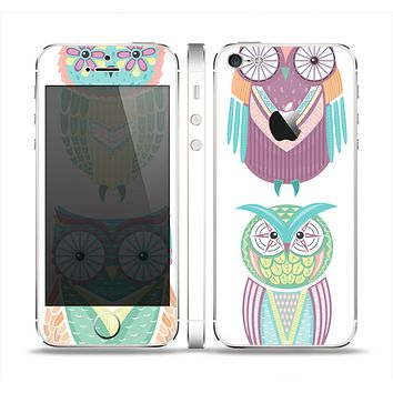 The Crazy Cartoon Owls Skin Set for the Apple iPhone 5