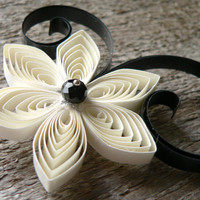 Ivory and Black Pocket Flower for Groom, Black and White Button Hole, Pins for Men, Ivory Man Corsage, Wedding Boutonnieres