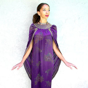 Vintage 80s 90s Plum Purple Dashiki Style FESTIVAL Dress w Attached Royal Cape and Metallic Gold Embroidery - Medium M Large L, Caftan Tunic