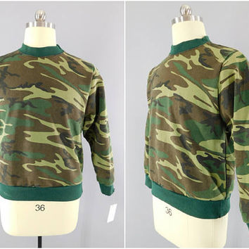 1980s Vintage / Camouflage Sweatshirt / Camber Clothing / Woodland Camouflage / Green Camo / US Army Camo / Size Large / 80s / Made in USA