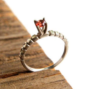 Vintage Victorian Style Sterling Silver Ring -  Size 7 Garnet Red Glass Stone Costume Jewelry / Raised Ruby Red