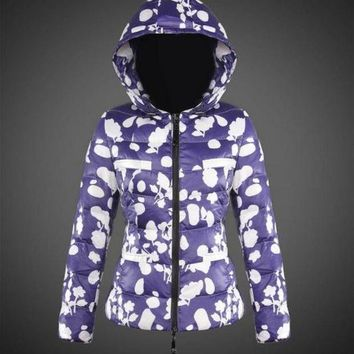ONETOW Moncler Women Down Jacket Blue and white