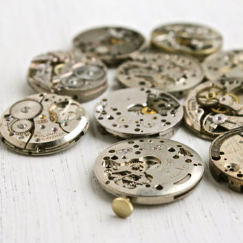 Vintage & Antique Watch Movement Lot - 10 Clock Pieces for Parts, Jewelry Making - Bulova, W.Co Swiss, 17 Jewels / Large Steampunk Supplies