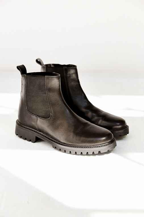 c4e3a785c0e5 Silence + Noise Simple Chelsea Boot - from Urban Outfitters