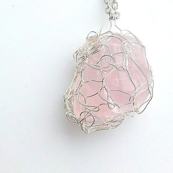 Valentine Rose Quartz Pendant in a Silver Wire Crochet Net, Elven Jewelry, Cosplay, Elf Pendant, Fairy Pendant, Wire Crochet Jewelry