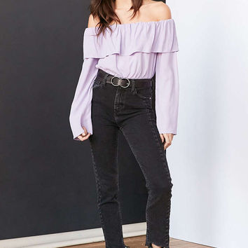 Silence + Noise Cecilia Ruffle Off-The-Shoulder Top - Urban Outfitters