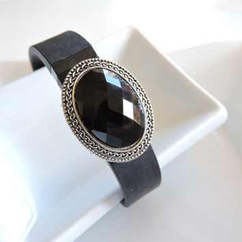 Fitbit Bracelet Jewelry ~ Fitbit Flex bracelet Jewelry Slide-on Accessory - Large Black Fauceted Center Focal FitBit Jewelry