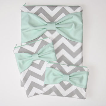 Coordinating Set of Cases - MacBook / Laptop, iPad / Tablet or iPad Mini, and Free Cosmetic Case - Gray Chevron with Mint Bow - Padded