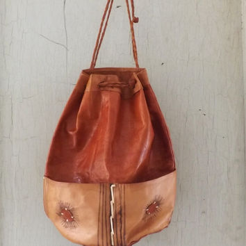 Vintage 1970s Tan Brown Soft Leather Drawstring Pouch Purse Tote Boho Rustic Bag Festival Satchel Southwestern Native American Medicine Bag