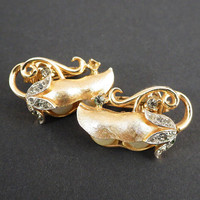 Crown Trifari Vintage Pea Pod Clip Earrings with Brushed Goldtone